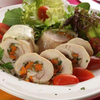 Rulada de carne de pui cu legume