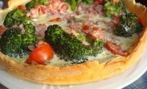 Tarta cu broccoli, mozzarella si ficatei