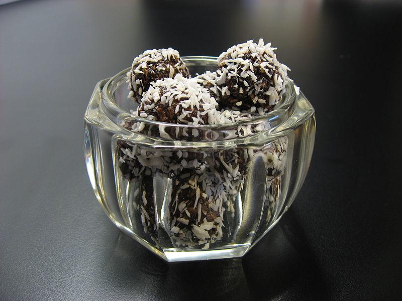 Bomboane delicioase cu nuca de cocos