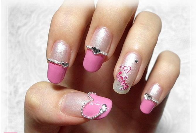 Modele unghii cu strasuri