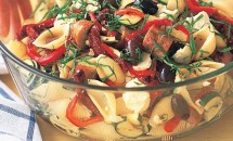 Paste cu busuioc in stil mediteranean