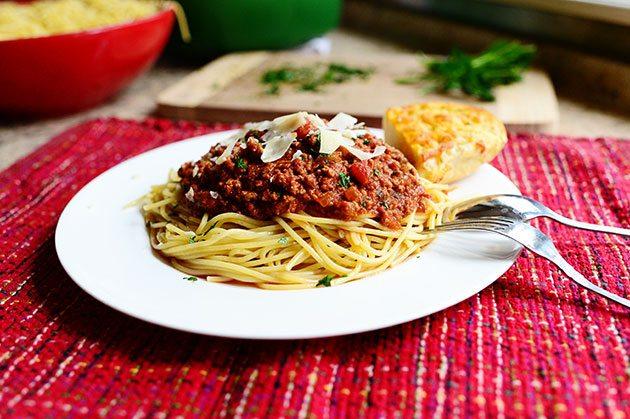 Spaghete cu sos de migdale