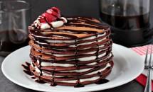 Tort din clatite cu ciocolata