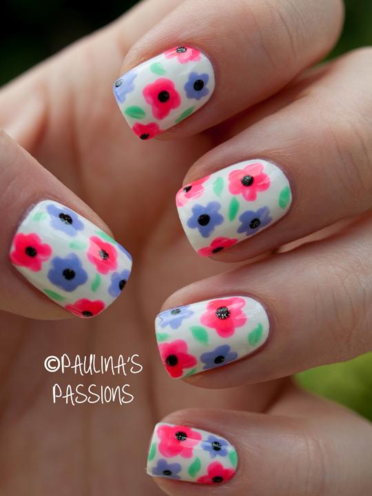 modele de unghii cu flori