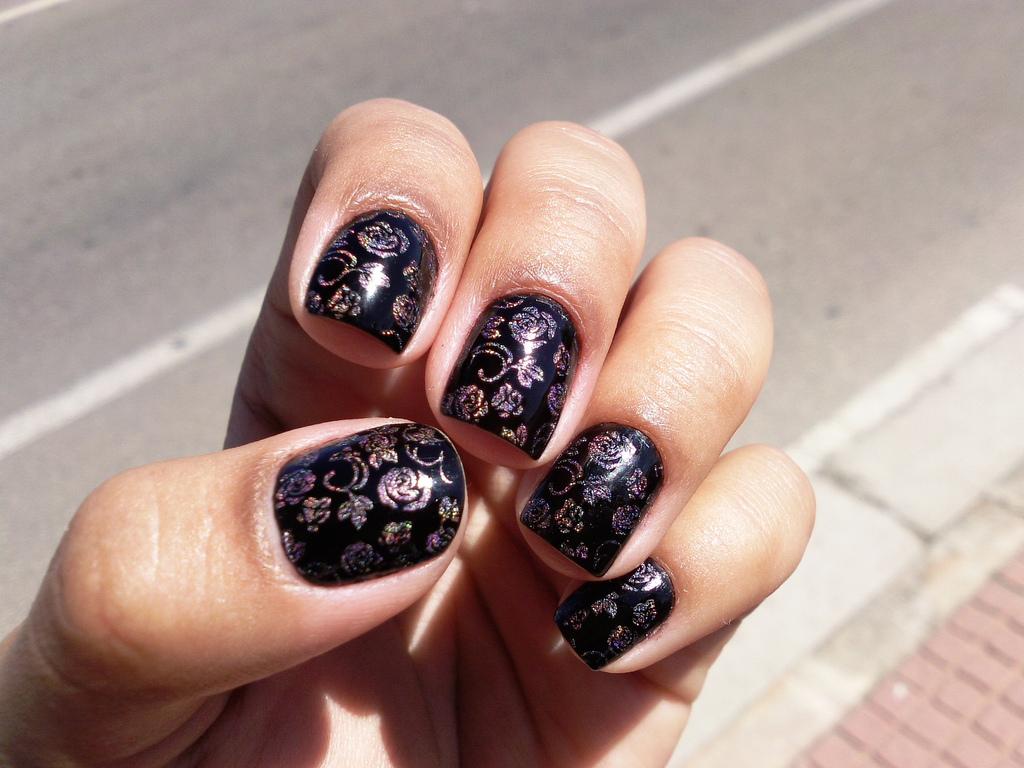 Modele unghii cu flori