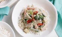 Pui cu pasta de curry in stil thailandez