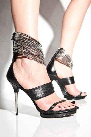 Sfaturi pentru purtarea sandalelor