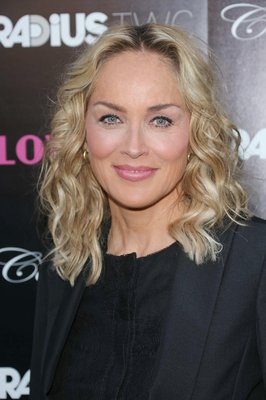 par blond femei 50 ani
