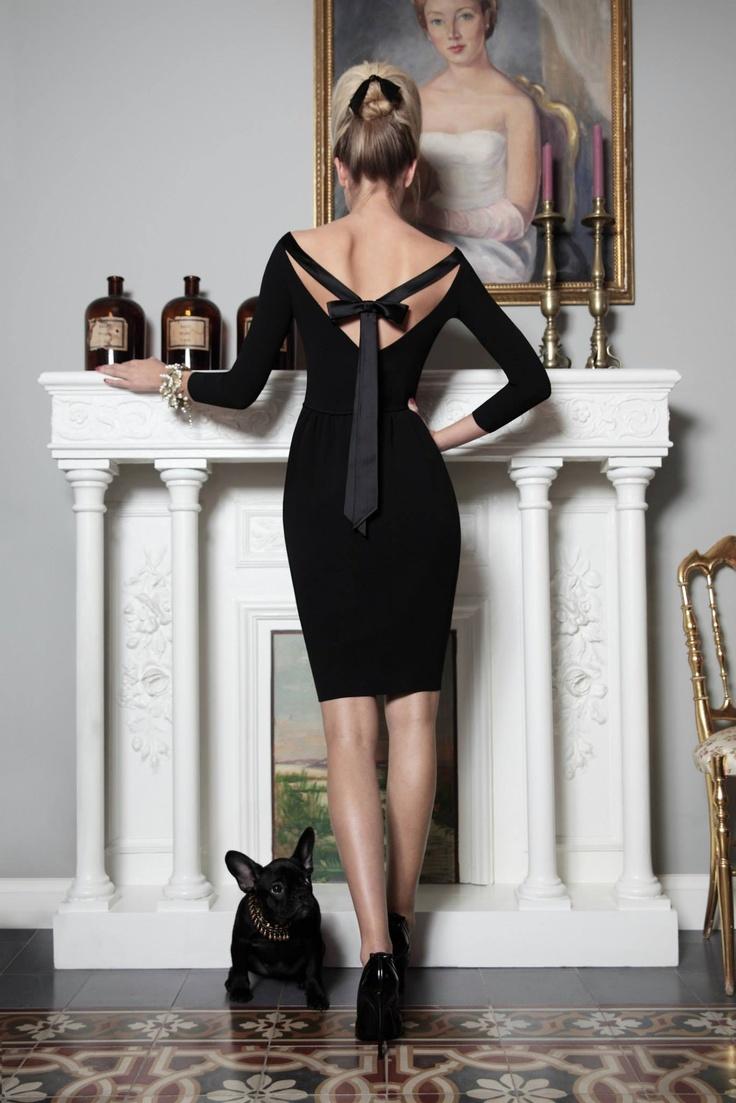 rochie neagra moderna