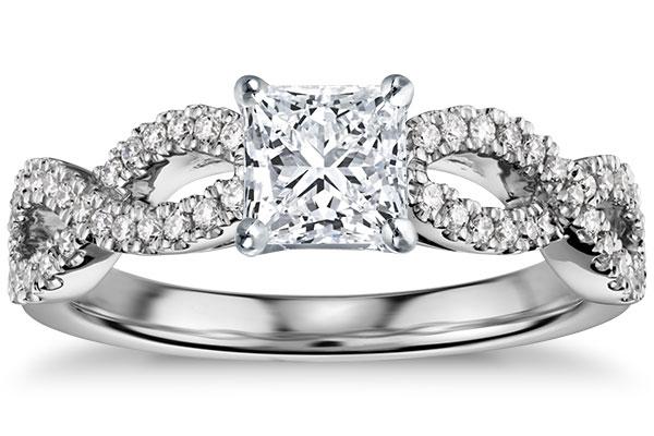 Inel de logodna diamant si aur alb