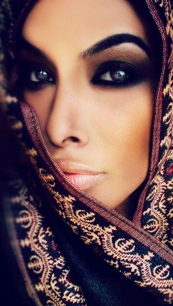 Machiajul arabesc