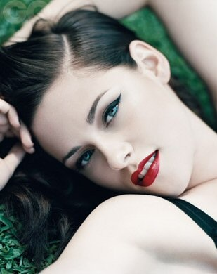 machiaj smokey eyes Kristen Stewart