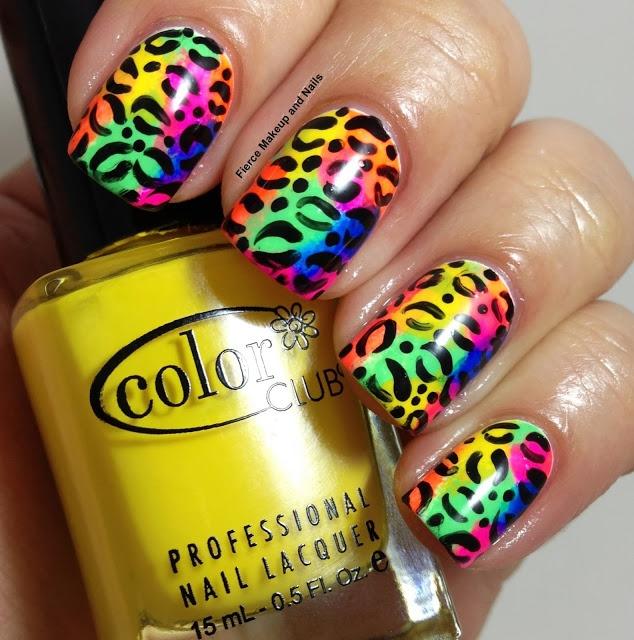 model leopard pe unghii