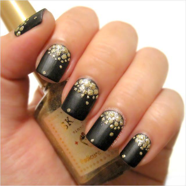 modele de unghii cu semiluna