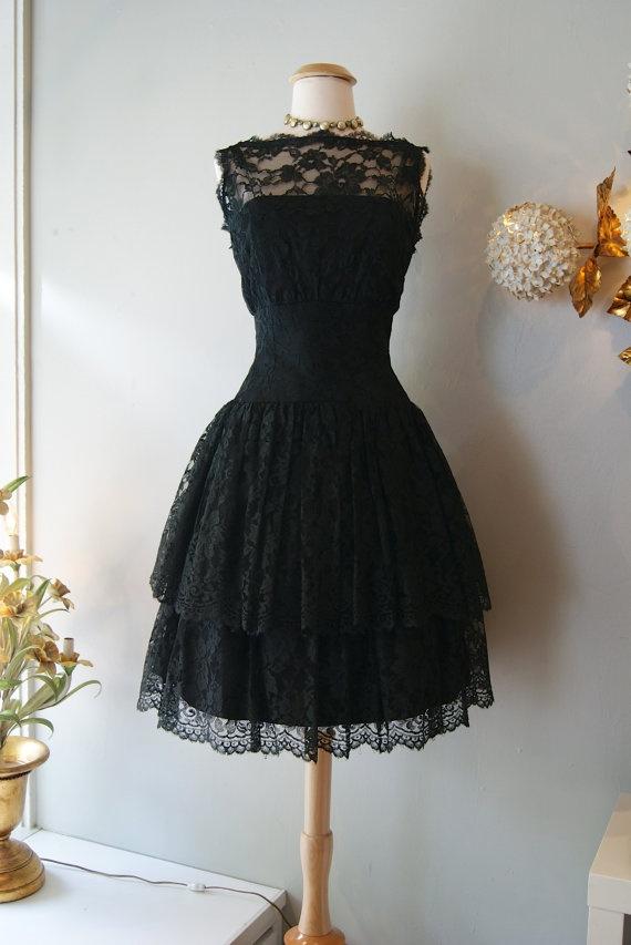 rochie anii 50 vintage