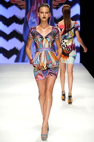 rochie scurta colorata