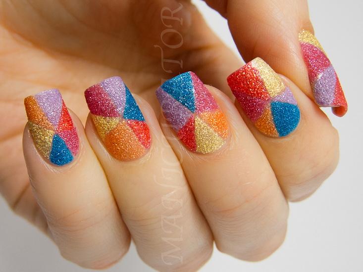 unghii colorate cu sclipici