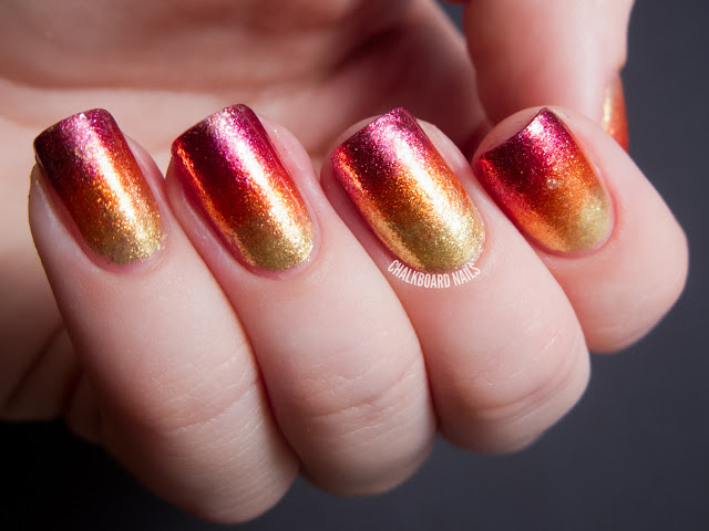 unghii rosii cu auriu 2015