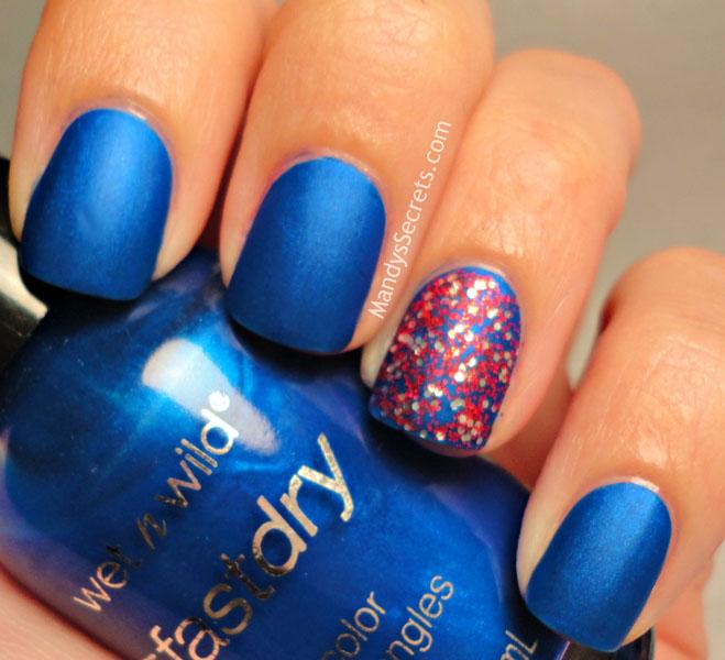 manichiura albastra colorata