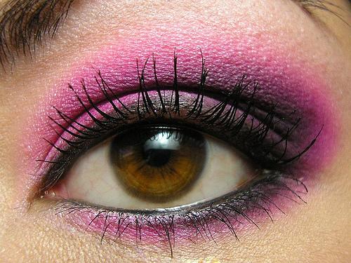 smokey eyes roz pentru ochi caprui