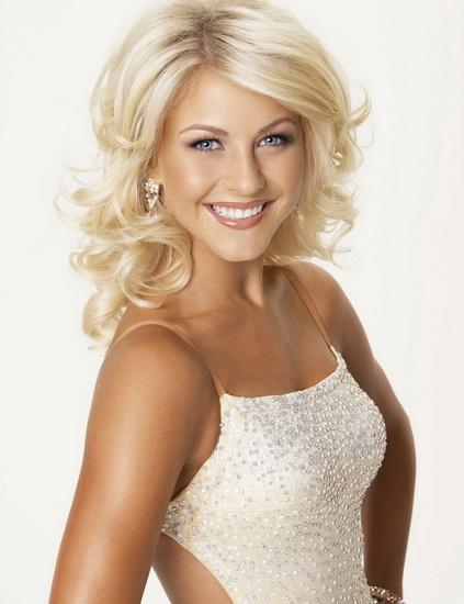 coafura medie par blond