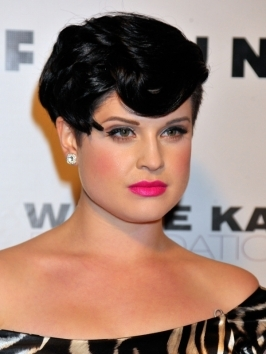 kelly osbourne Coafura punk- rockabilly