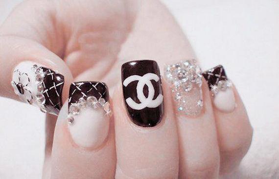 unghii cu gel Chanel