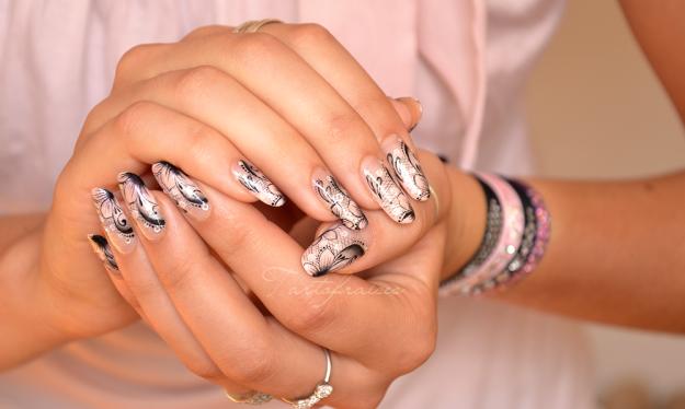 model de unghii argintii pentru mirese