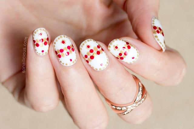 unghii cu buline pentru Pasti
