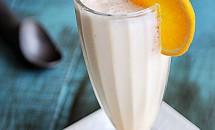 Milkshake cu inghetata si portocale