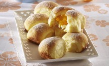 Gogoşele cu brânză şi caise