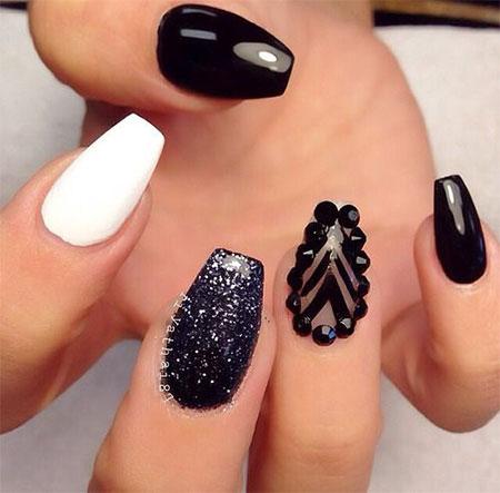 unghii alb cu negru 2020