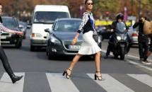 Revenire spectaculoasă în tendinţe: Sandalele cu...