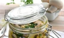 Reteta de Ciuperci Champignon marinate