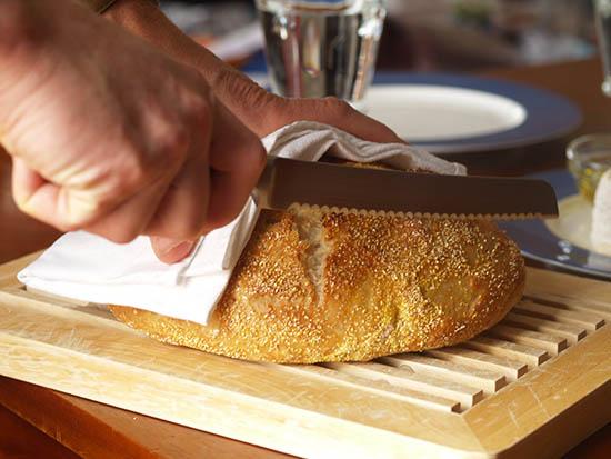 Este bine să mâncăm pâine