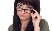 Învaţă cum să te machiezi dacă porţi ochelari