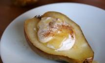 Pere coapte cu scorțișoară și brânză Ricotta