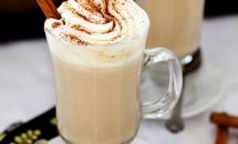 Ciocolată caldă albă cu aromă de dovleac