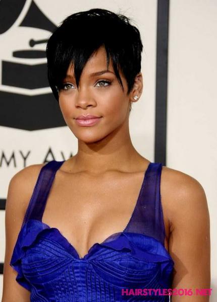 Rihanna coafura par scurt 2017