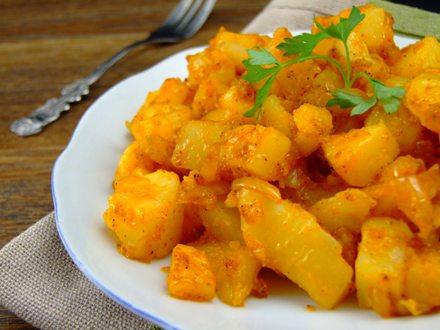 Cartofi tărănești cu boia dulce