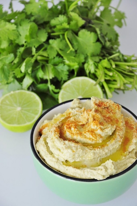 Hummus cu lime și coriandru