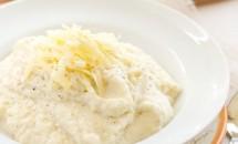 Piure din conopidă cu brânză și usturoi