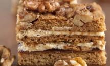 Prăjitură cu scorţişoară şi nuci