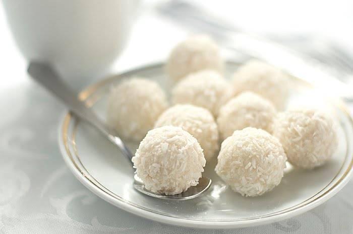 Bomboane fine cu nuca de cocos