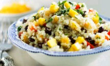 Salată de mango cu quinoa