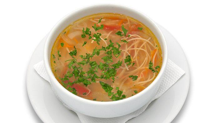 Supă de legume și fidea