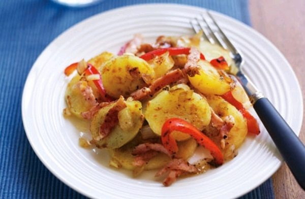 Salata de cartofi cu bacon