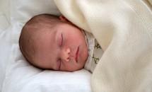 Au apărut noi fotografii cu Oscar, băieţelul prinţesei Victoria a Suediei! Uite cât e de simpatic micuţul!