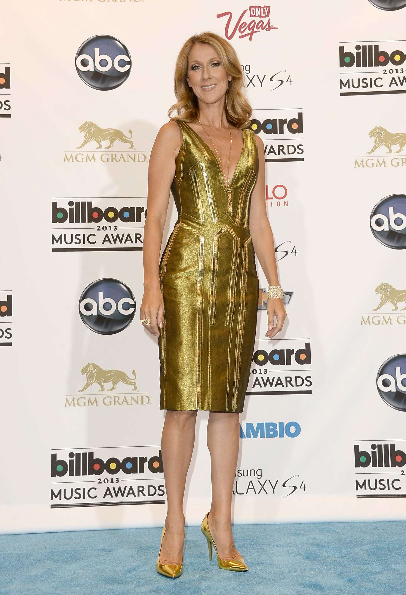 Celine-Dion-2013-Billboard-Music-Awards--04