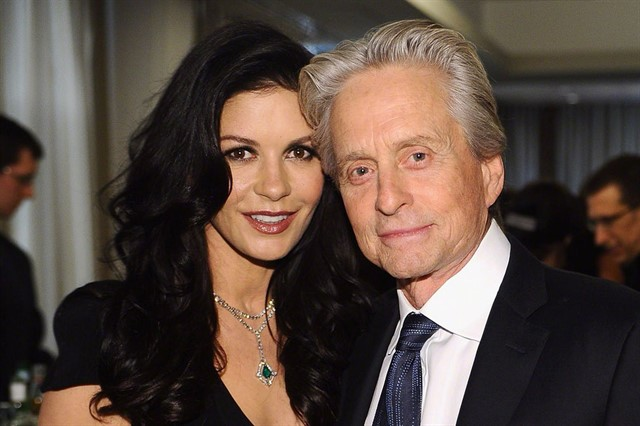 Michael-Douglas-and-Catherine-Zeta-Jones_640x426